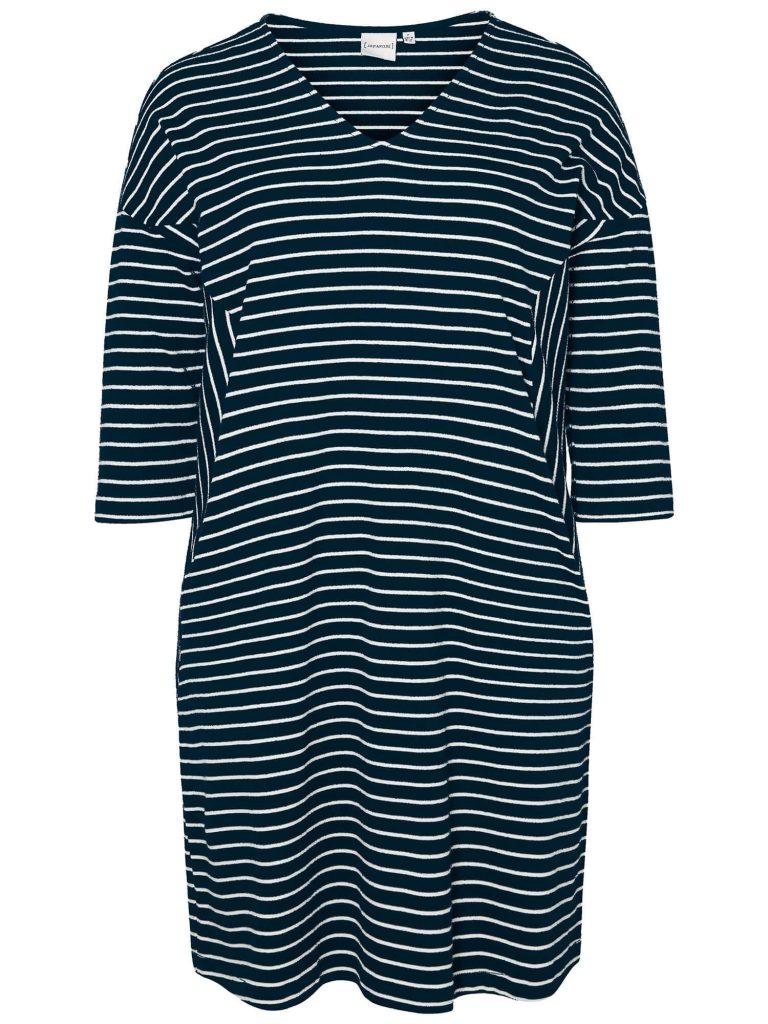 Marineblå kjole med striber og lommer fra JUNAROSE