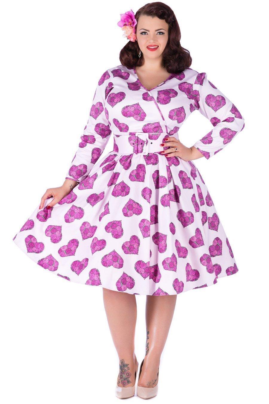 Skøn kjole med bælte og ærmer i tornerose print