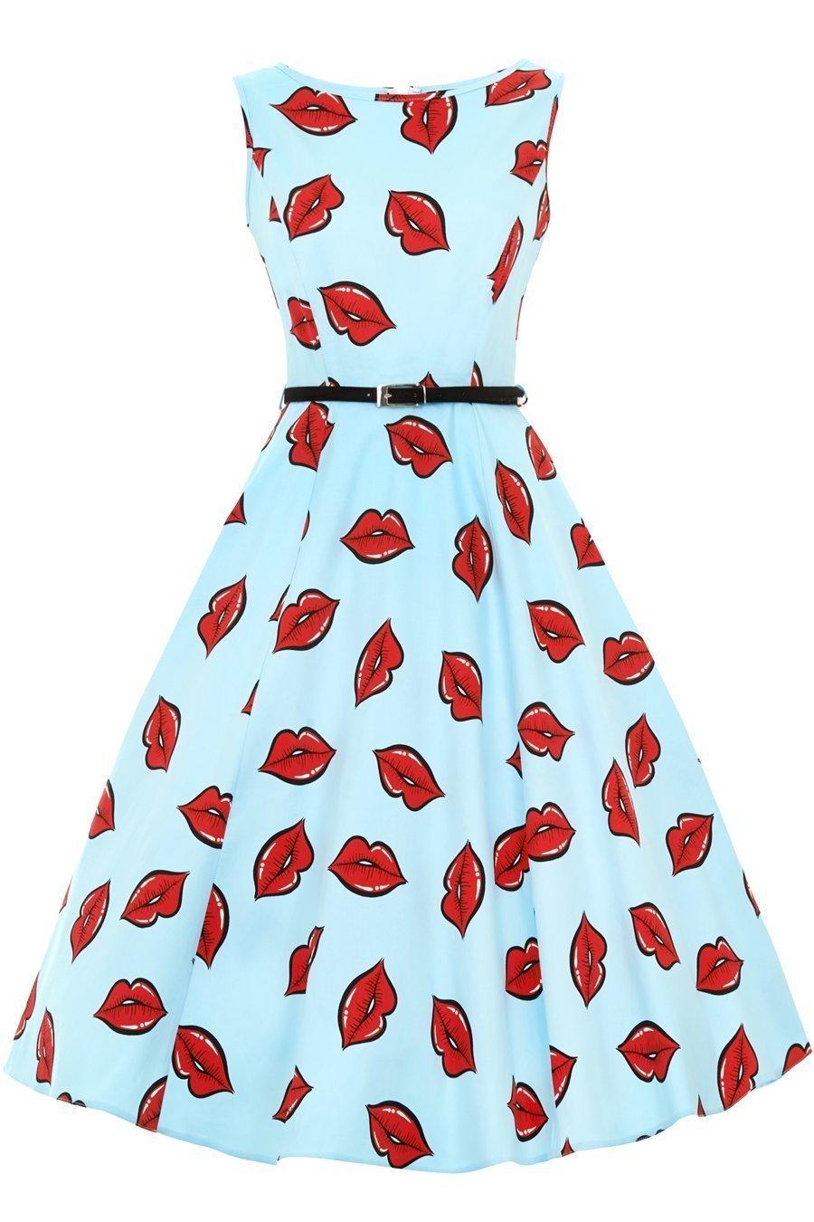 Flot turkis kjole med store røde læber