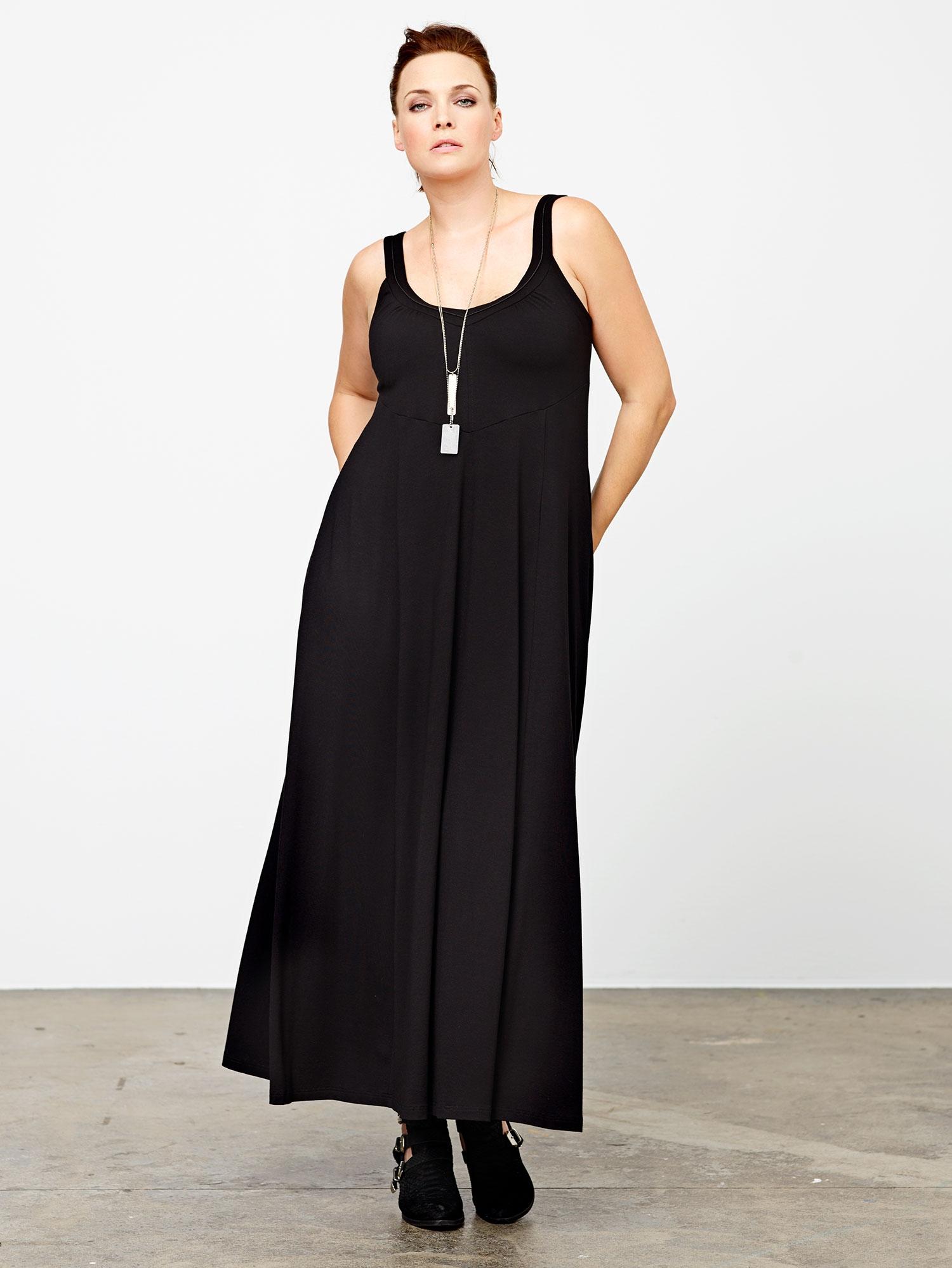 Lang sort kjole i viskosejersey, 42