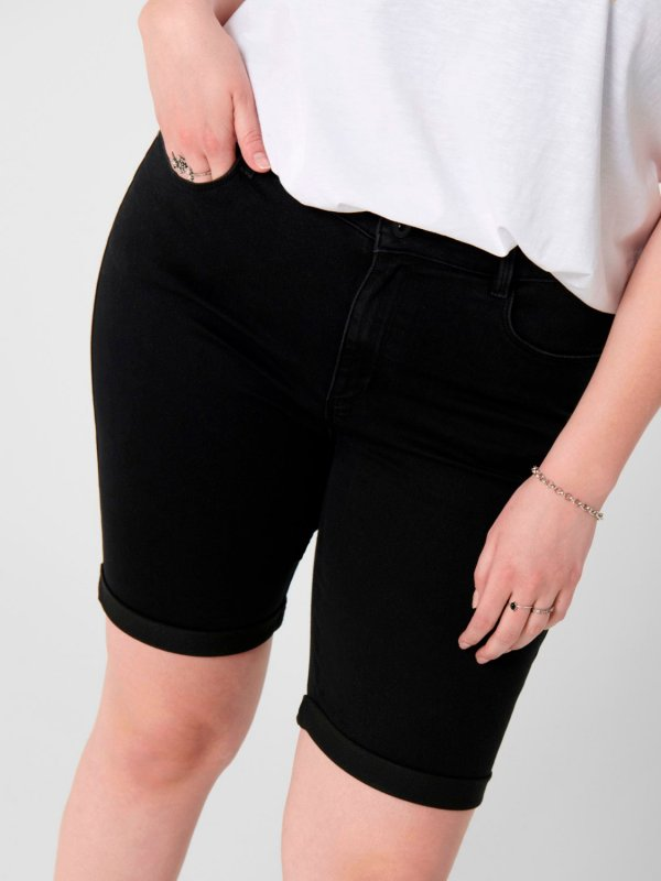 Sorte shorts med stretch fra Only Carmakoma