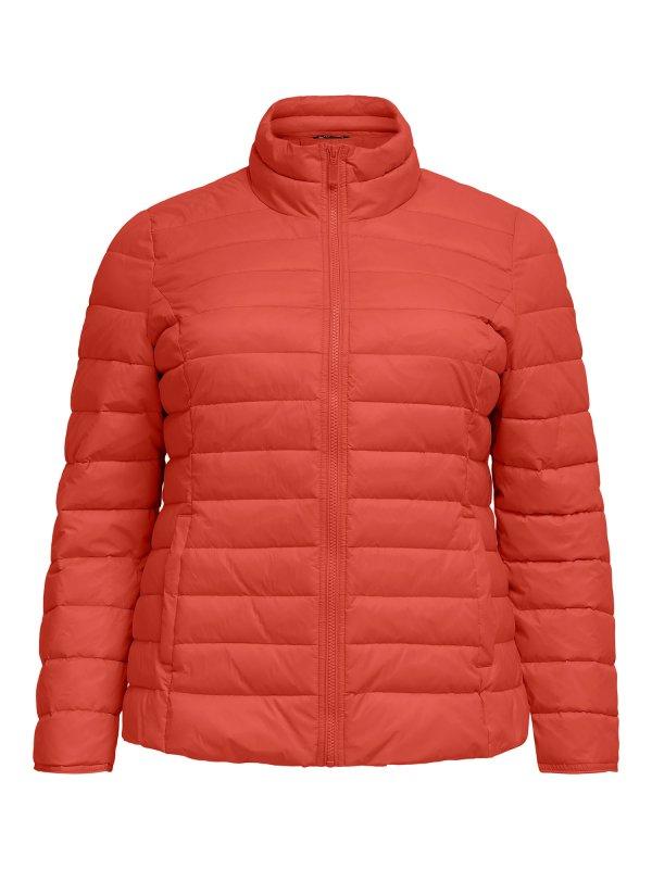 Kort vatteret jakke i flot orange farve fra Only Carmakoma