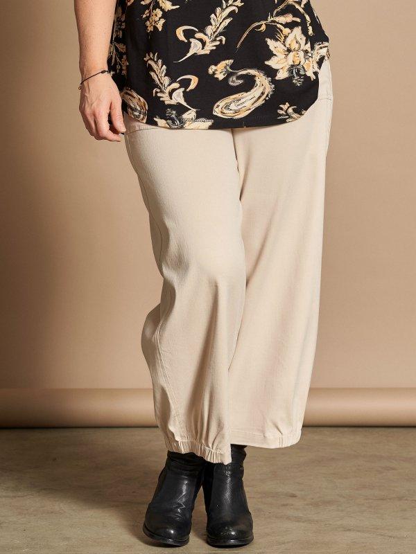 Lyse culotte bukser i viskose bengalin fra Gozzip
