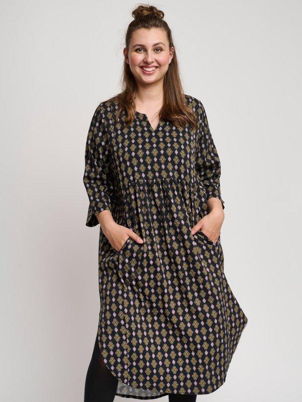 Sort viskose kjole med flot print fra Pont Neuf