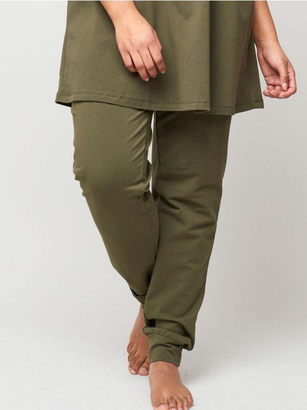 Armygrønne trænings bukser i bomuldsjersey  fra Aprico Sport
