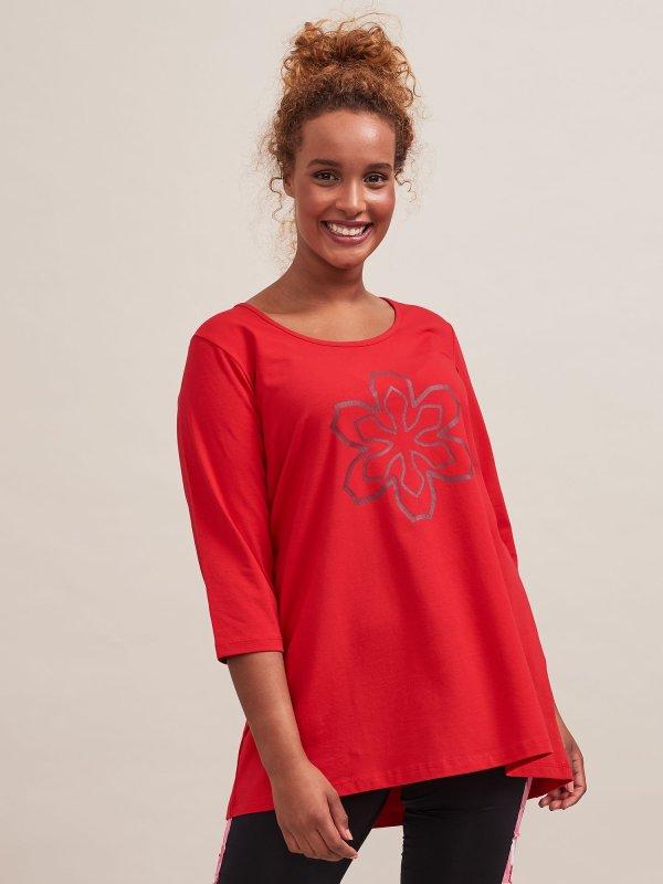 Rød trænings t-shirt med 3/4-ærmer fra Aprico