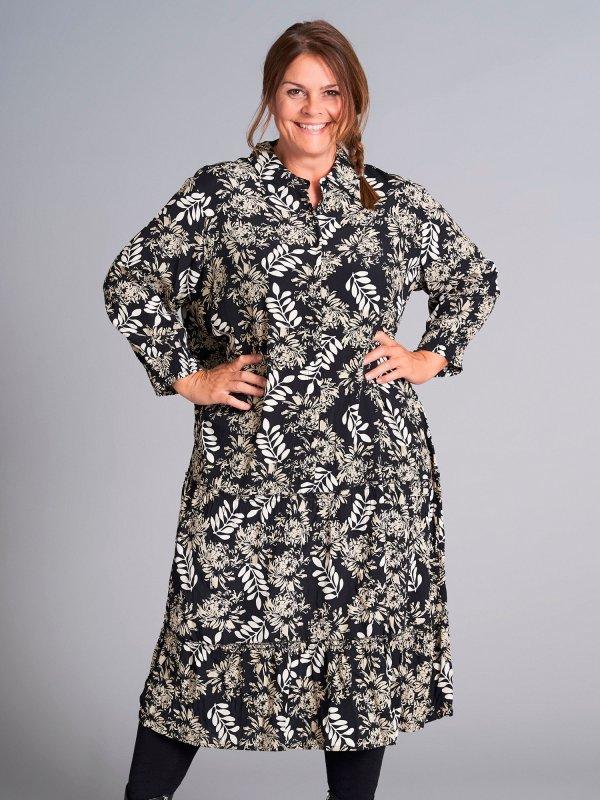 Lang sort  viskose kjole med lyst print fra Gozzip