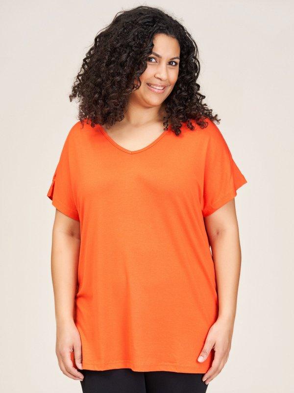 Orange basis t-shirt i viskosejersey fra Sandgaard (fra Studio)