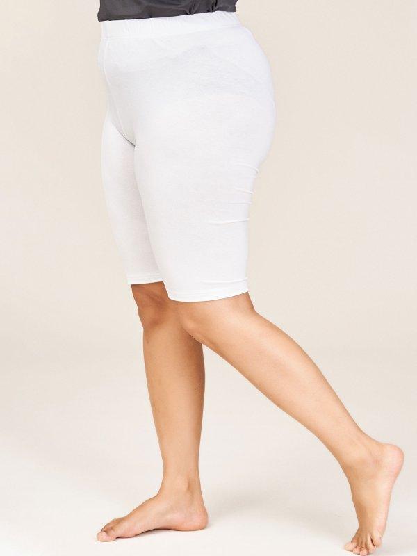Hvide cykel shorts i viskosejersey  fra Sandgaard (fra Studio)