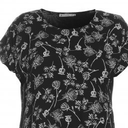 Sort viskose T-shirt med blomsterprint