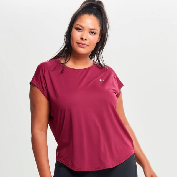 Bordeaux trænings t-shirt fra Only Play Curvy