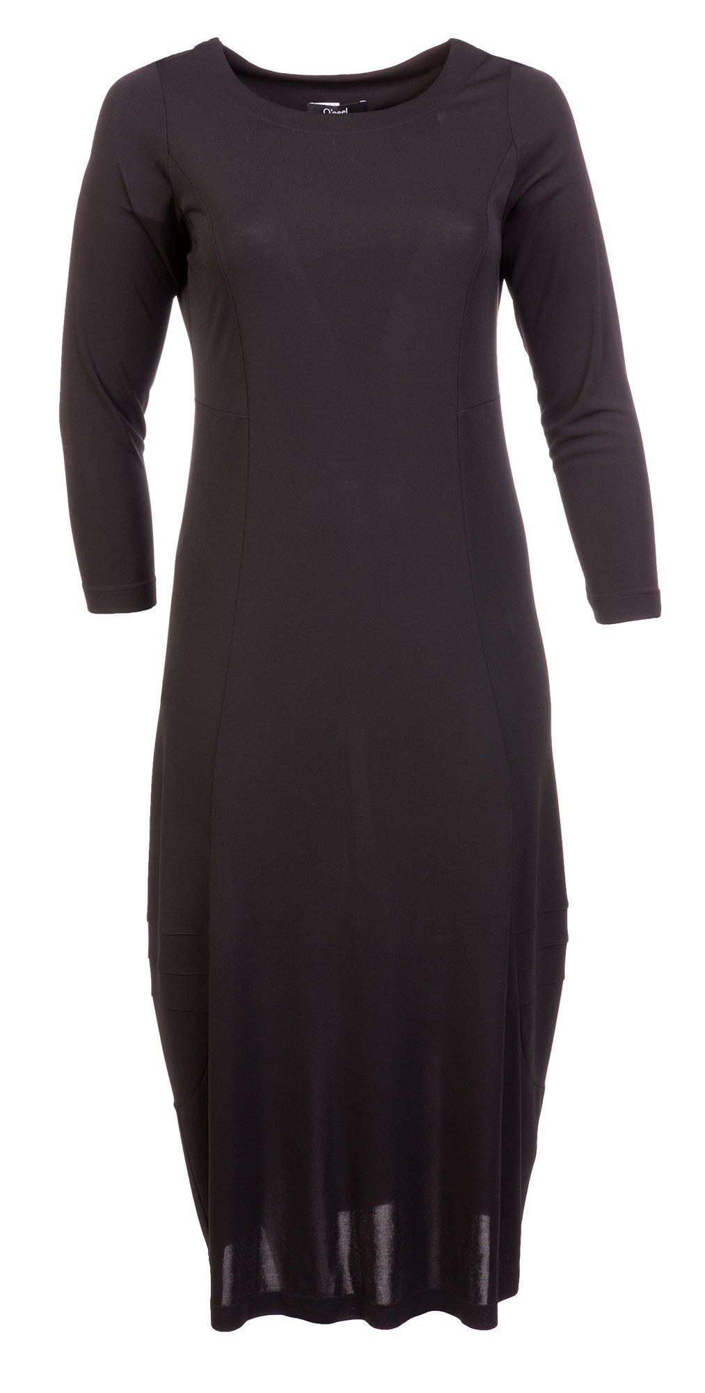 Lang sort kjole med prinsesse snit og slids