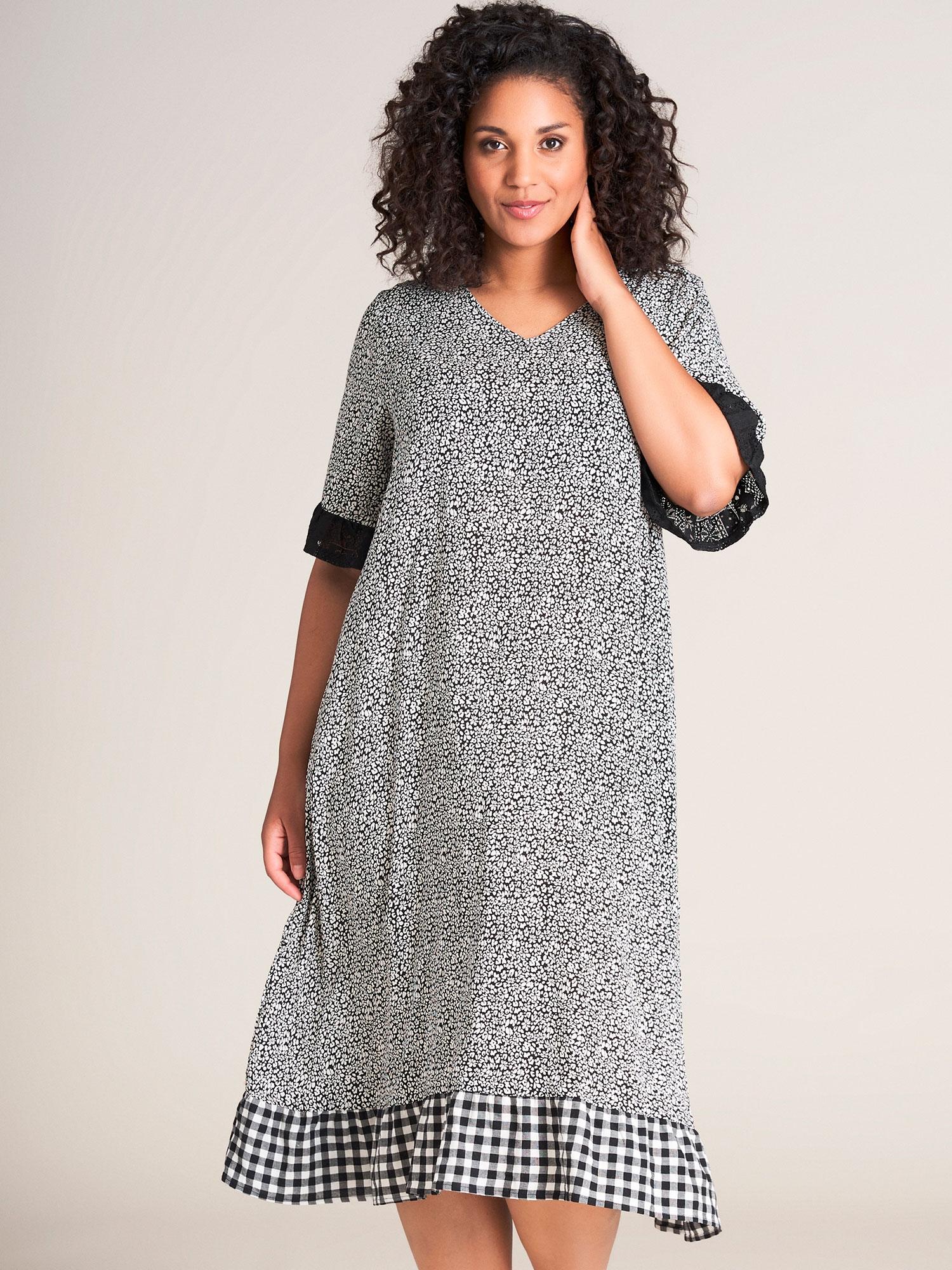Studio Lang kjole i sort hvid printet viskose, 42-44 / S