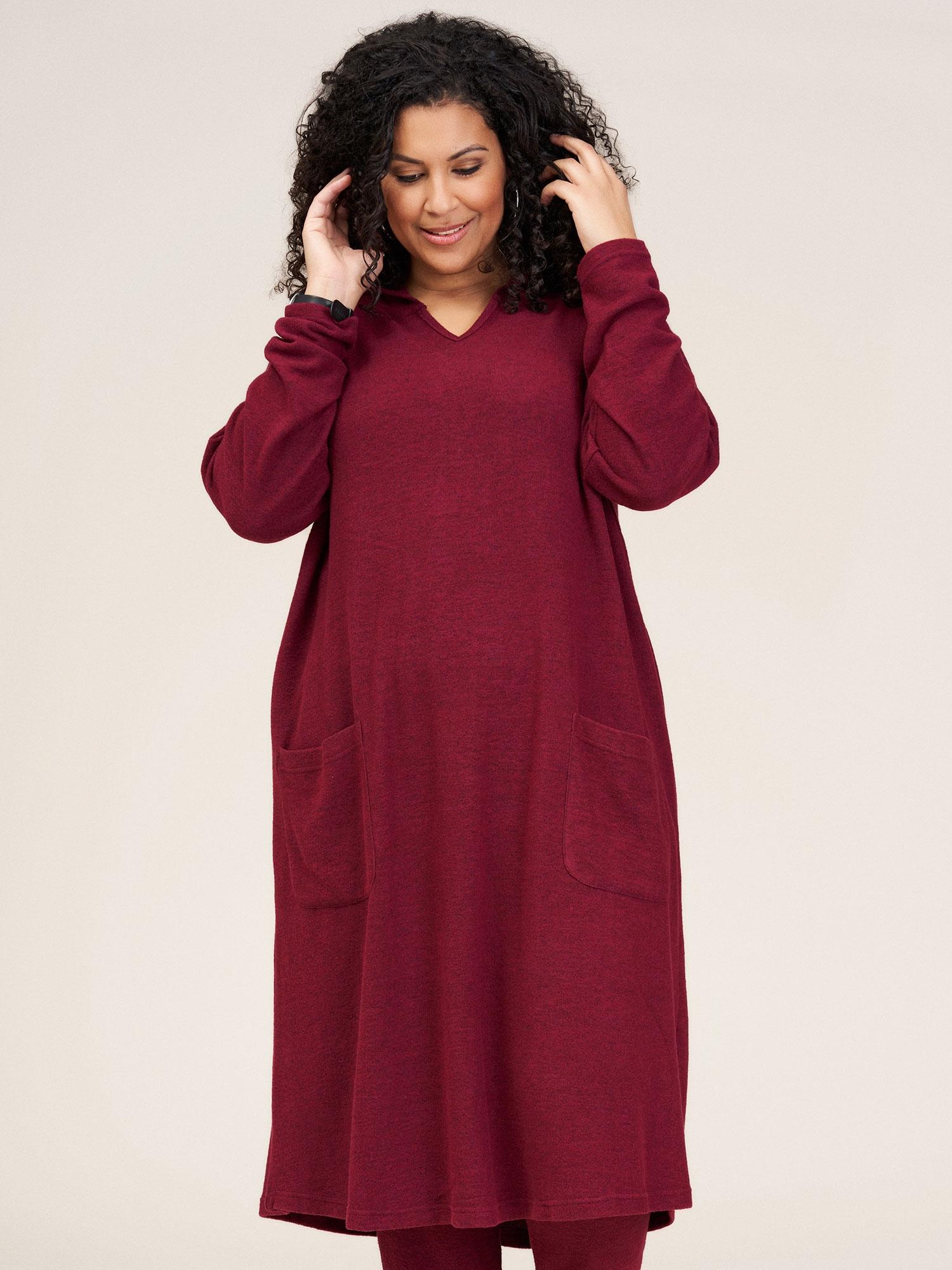 Studio Lang blød strik kjole med hætte og lommer, 42-44 / S