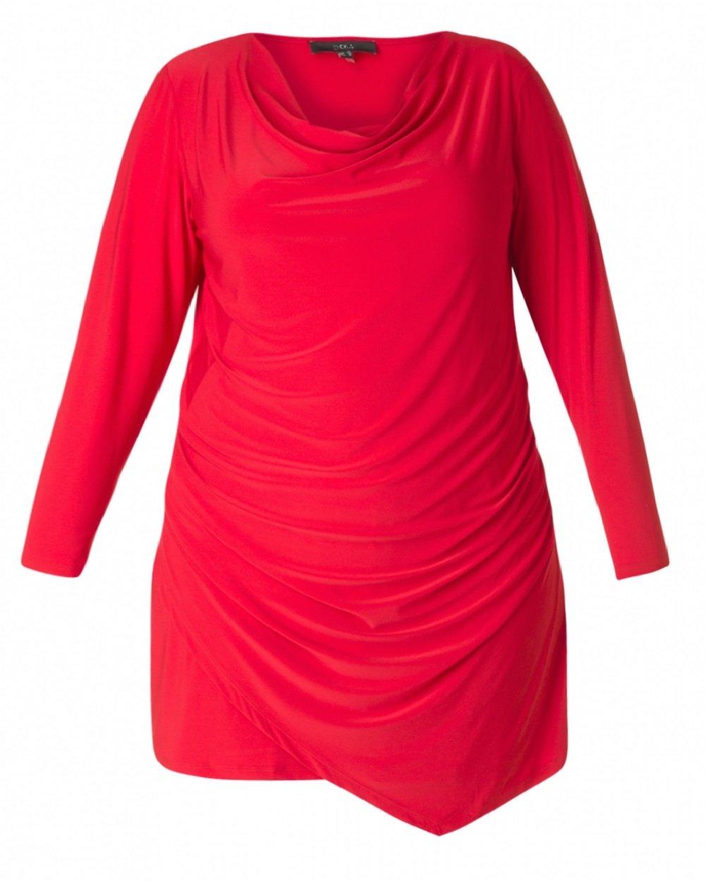 Smuk rød kjole med draperinger og vandfaldseffekt