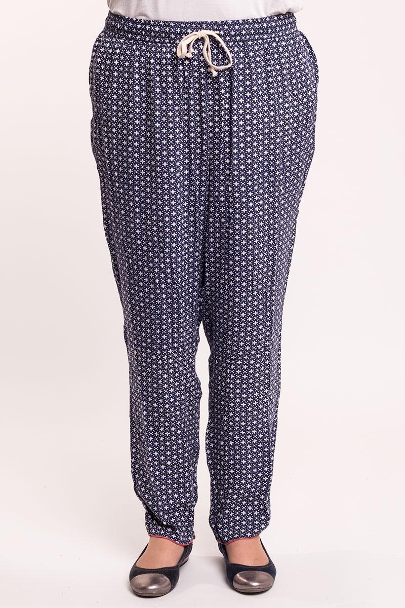 Løse bukser i marine med hvidt mønster
